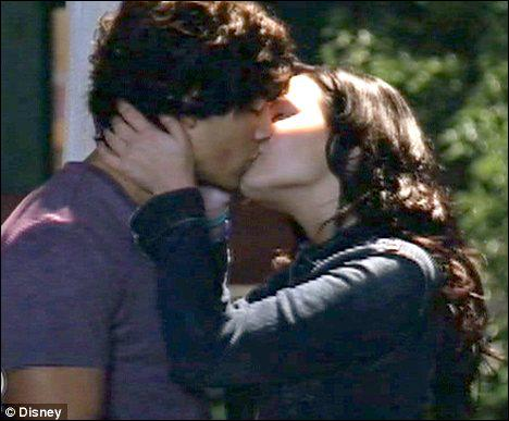 Quand Mitchie embrasse-t-elle Shane ?
