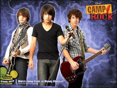 Que font les élèves de Camp Star à la fin du film ?