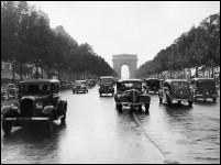 L'âge d'or de l'automobile modifiera le paysage des routes, les Champs Elysées ne seront pas épargnés. L'âge d'or de l'automobile correspond à quelle année ?