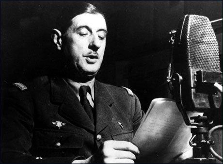 Après la démision de Paul Reynaud, il part vers Londres. Le 18 Juin 1940, il lance son fameux appel. Il demandait aux militaires français de se rallier à lui et de lancer...
