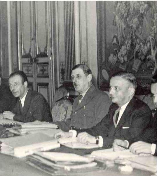 Aprés la libération de Paris, il préside le GPRF : Le Gouvernement Provisoire de...