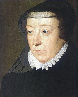 Catherine de Médicis exerçait la régence au nom de son fils Charles IX alors mineur lors du massacre de la St Barthélémy qui s'est déroulé dans la nuit du 23 au 24 août 1572.