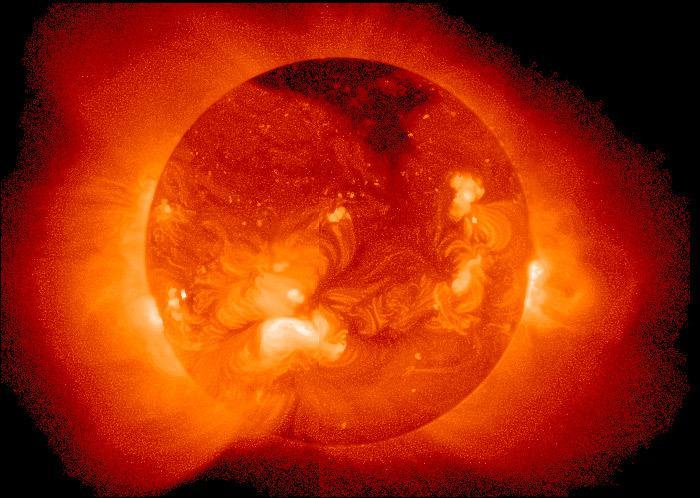 Quel est le nom du Titan symbolisant le feu du Soleil, qui est le frère de Chronos ?