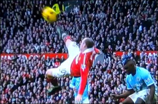 Quel joueur anglais a éfectué une Magnifique Retournée acrobatique Face à Manchester City ?
