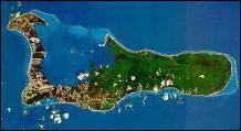 Quelle est cette île anglaise dont la capitale est George Town ?