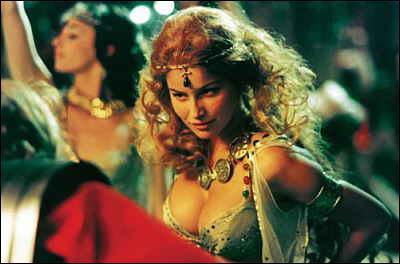Qui interprète Falbala dans ' Astérix et Obélix contre César' ?