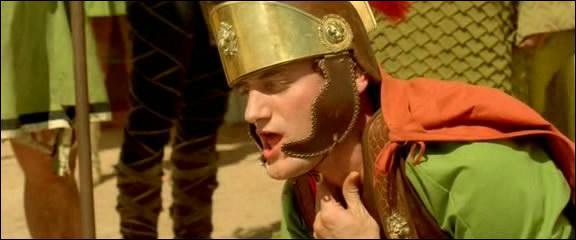 Qui interprète Caius Antivirus dans ' Astérix et Obélix : Mission Cléopâtre' ?
