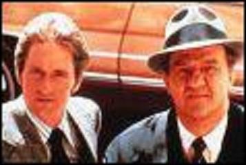 Dans quelle série, diffusée en France à partir de 1974, Karl Malden et Michael Douglas ont-ils joué ?