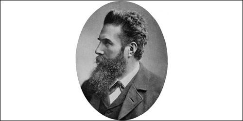 Quels rayons Wilhelm Röntgen a-t-il découverts ?