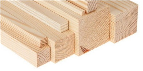 Parmi ces trois bois, lequel est le plus léger ?