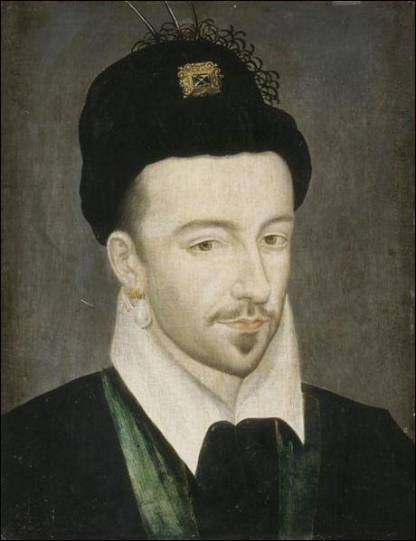 Quel roi de France est assassiné par le moine Jacques Clément ?