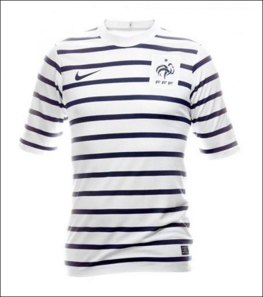 Les Bleus ont inauguré leur maillot en marinière face à la Croatie au Stade de France avec un...