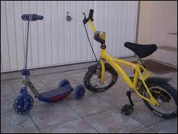 Le mot 'bicyclette' est un synonyme de :