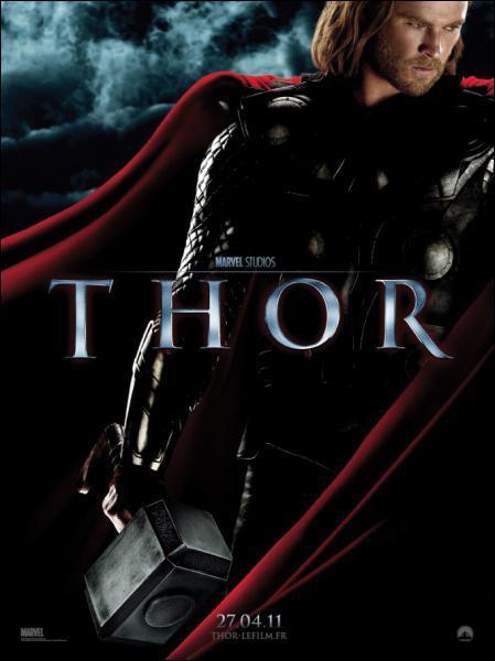 Dans le film 'Thor' sorti en 2011, qui interprète le rôle d'Odin ?