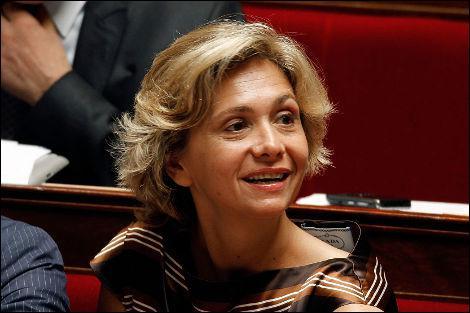 Pour réduire le déficit, Valérie Pécresse a évoqué une contribution des 'rémunérations extravagantes au-dessus de'...