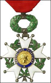 Joséphine Baker a reçu un titre honorifique, la 'Légion d'Honneur' par un président de la République, lequel ?