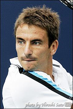 Il a remporté cette année le tournoi de Santiago au Chili, qui est-ce ?