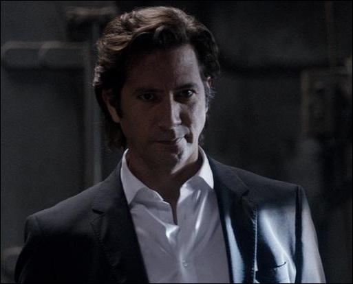 Comment s'appelle cet homme puissant et multimillionnaire, qui n'hésite pas à faire tuer tous ceux qui se mettent en travers de son chemin et qui deviendra l'obsession de Lisbon dans la saison 5 (elle ressemblera à Jane, lorsque ce dernier met tout en oeuvre pour piéger John le Rouge) ?