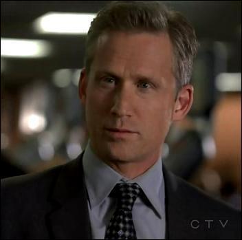 Ce personnage est l'un des 7 suspects de la liste de Jane, et il est aussi membre de Visualize, et ancien agent du CBI. Comment s'appelle-t-il ?