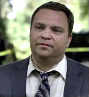 Ce personnage est l'un des 7 suspects de la liste de Jane, et il est aussi agent spécial au FBI. Comment s'appelle-t-il ?