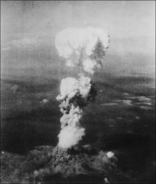 Quelle est la date de l'attaque sur Hiroshima par les Américains ?
