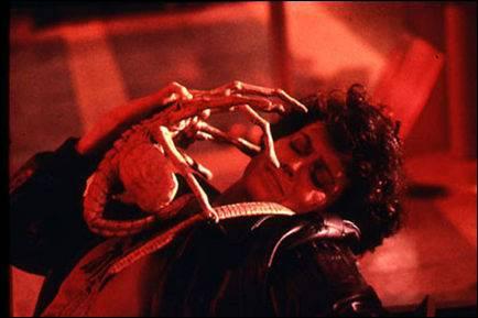 En 1979, Ridley Scott met en scène une créature extraterrestre qui tue l'équipage d'un vaisseau spatial. Le succès de ce film lui vaudra trois suites. C'est :
