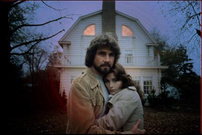1979 marque le retour du film de maison hantée avec ce film dont le point de départ se base sur un fait divers réel qui s'est déroulé dans une maison sur Long Island. Ce film s'appelle :