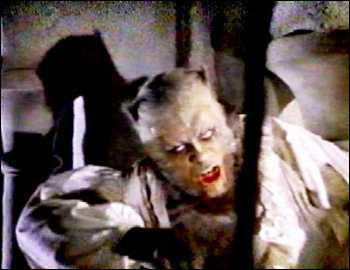 Le réalisateur britannique Terence Fisher, célèbre pour ses adaptations de Dracula et de Frankenstein, revient en 1961 avec ce film de loup-garou qui deviendra un classique du genre. C'est :