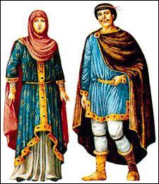 A quelle époque correspondent ces costumes ? (CLIQUEZ sur l'image pour l'agrandir)