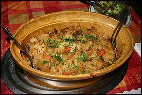 Le baeckeoffe est un plat alsacien. C'est un plat composé de pommes de terre, de viandes, de légumes, avec des épices et du vin blanc. Mais quelle est la durée moyenne de préparation ?
