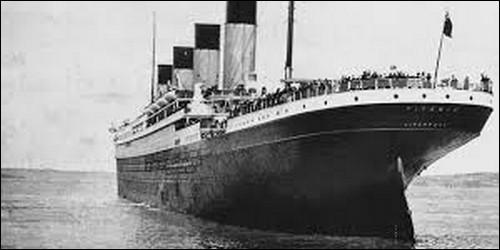 Quel phénomène naturel a été la cause du naufrage du Titanic en 1912 ?
