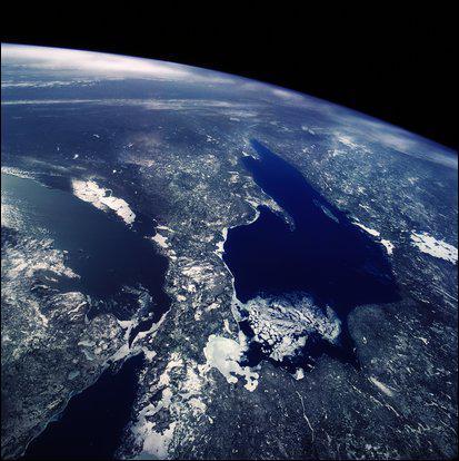 Quelle surface de la Terre repésentent les continents et les îles ?