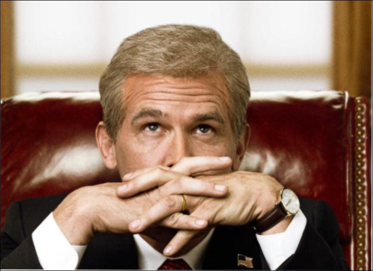 Quel homme politique incarne Josh Brolin dans ce film d'Oliver Stone ?