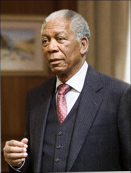 Qui incarne Nelson Mandela dans 'Invictus' de Clint Eastwood en 2010 ?