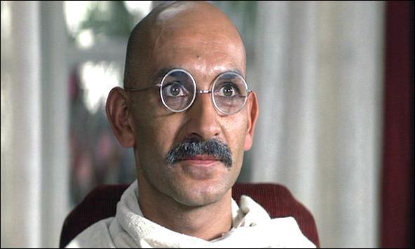 Quel est cet homme politique indien joué par Ben Kingsley dans ce film de Richard Attenborough sorti en 1982 ?