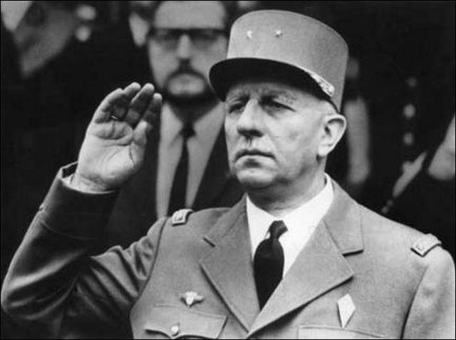 Comment s'appelle ce comédien spécialisé dans le rôle du général de Gaulle auquel il prête ses traits à une demi-douzaine de reprises ((Martin soldat, L'armée des ombres, Chacal... ) ?