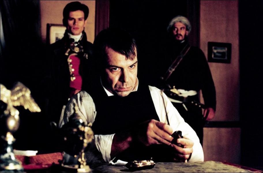 Qui interprète Napoléon dans ce film tourné en 2003 par Antoine de Caunes et intitulé 'Monsieur N. ' ?