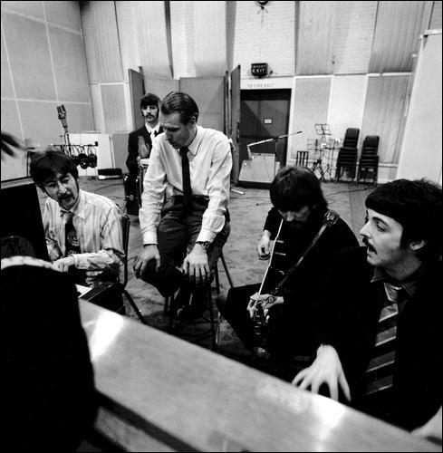 Comment s'appelle celui que l'on nomme ''le 5e Beatles'' ?