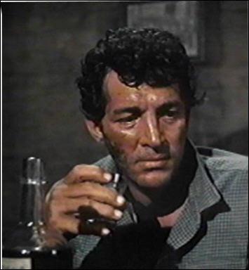 Il joue le rôle de Dude dans 'Rio Bravo' en 1959 sous la direction de Howard Hawks.