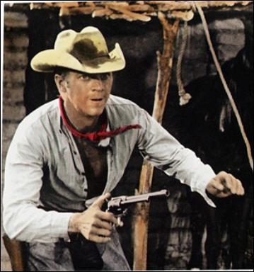 Il joue le rôle de Vin dans 'Les sept mercenaires' en 1960 sous la direction de John Sturges.