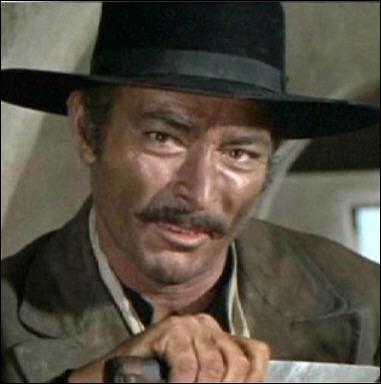 Il joue le rôle de la brute dans 'Le bon, la brute et le truand' en 1966 sous la direction de Sergio Leone.