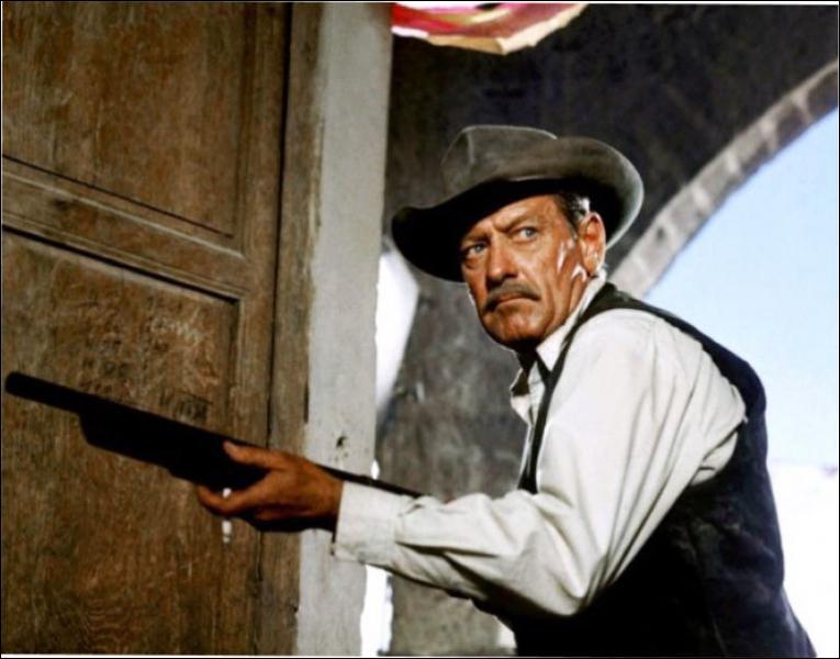 Il joue le rôle de Pike Bishop dans 'La horde sauvage' en 1969 sous la direction de Sam Peckinpah.