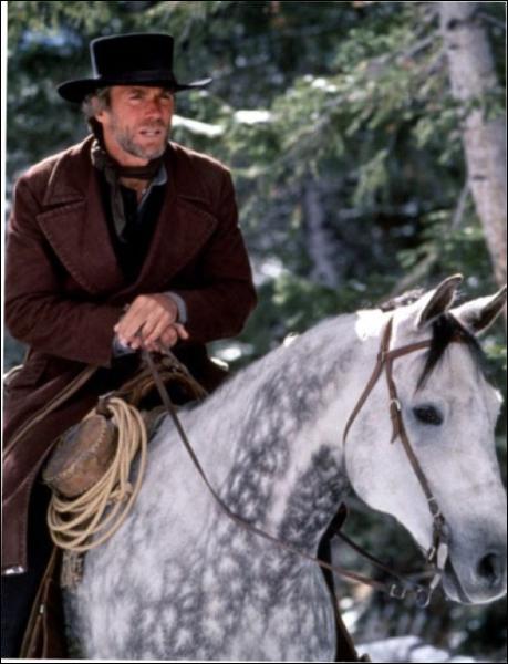 Il joue le rôle du pasteur dans 'Pale Rider' en 1985, film qu'il mit lui-même en scène.