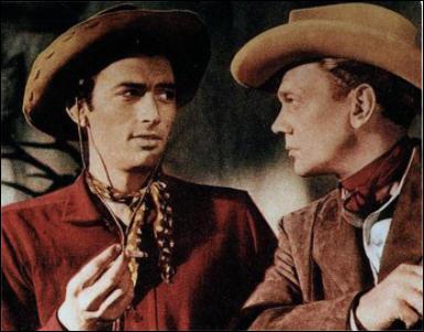 Il joue le rôle de Lewt McCanles dans 'Duel au soleil' en 1946 sous la direction de King Vidor.