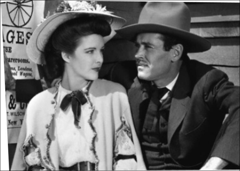 Il joue le rôle de Wyatt Earp dans 'La poursuite infernale' en 1946 sous la direction de John Ford.