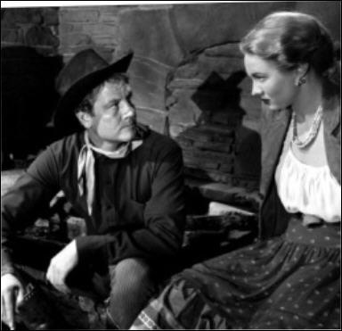 Il joue le rôle de Wes McQueen dans 'La fille du désert' en 1949 sous la direction de Raoul Walsh.