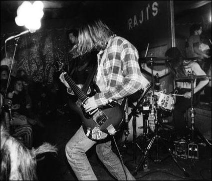 Avec quel autre grand groupe Nirvana a t-il fait une tournée commune?