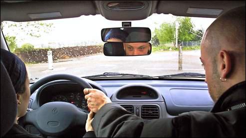 Quizz les v rifications int rieures quiz permis for Permis de conduire verification interieur et exterieur