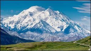 Quelle est l'altitude du Denali (anciennement mont McKinley), le point culminant d'Amérique du Nord ?