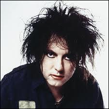 Quel groupe de rock britannique, associé au mouvement New Wave, est emmené par son chanteur charismatique, Robert Smith ?
